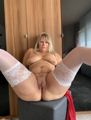 Naked pics chubby Young BBW